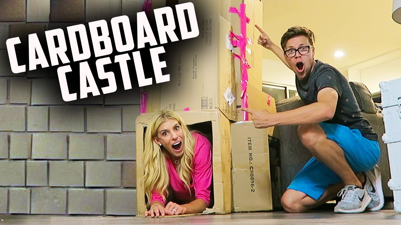 BUILDING A GIANT FORT! DIY CARDBOARD BOX CASTLE!  (DAY 192)