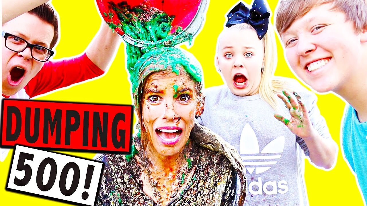 DUMPING 500 THINGS ON MY HEAD FOR 500K SUBSCRIBERS!!!