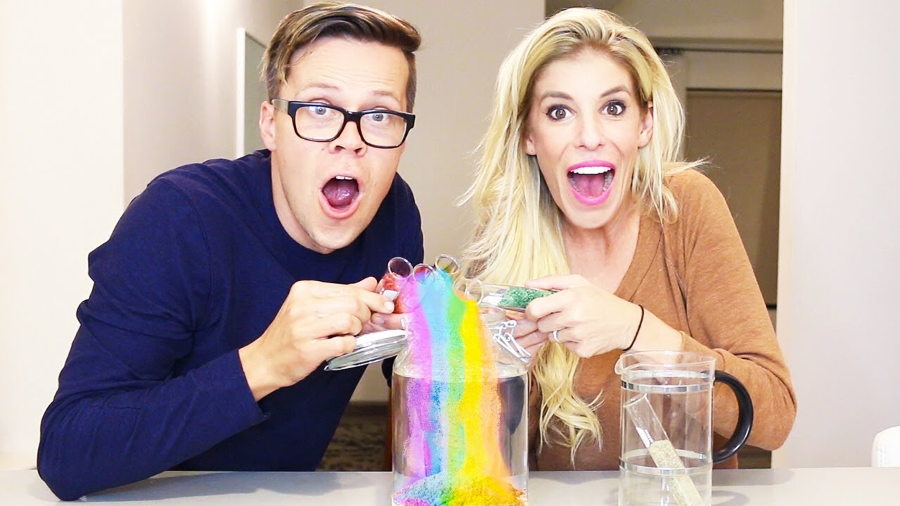 Learn How to Make MAGIC RAINBOW SAND Experiments!